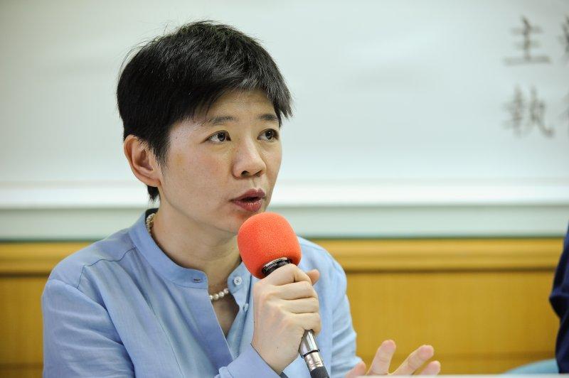 總統就職百天民調記者會,台灣醫界聯盟基金會執行長林世嘉-甘岱民攝