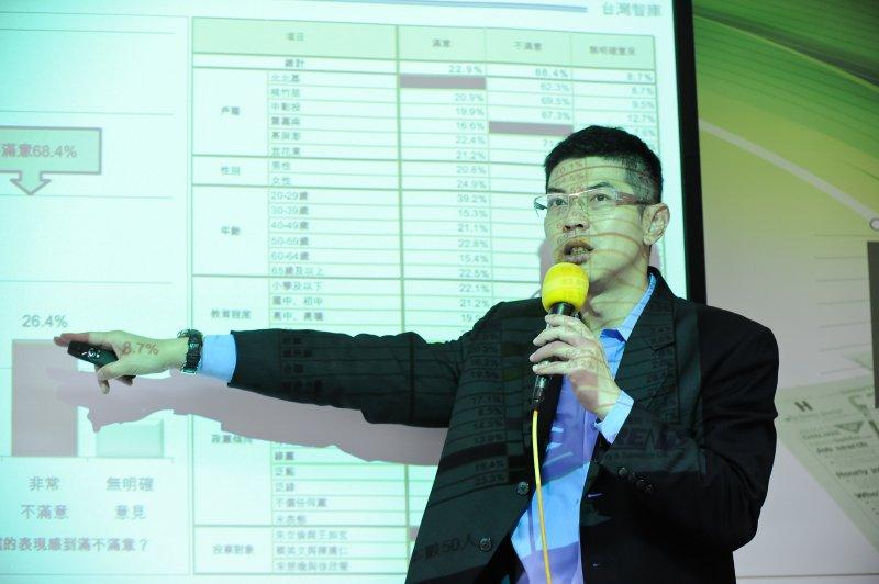 總統就職百天民調記者會,台灣智庫民調中心主任周永鴻-甘岱民攝