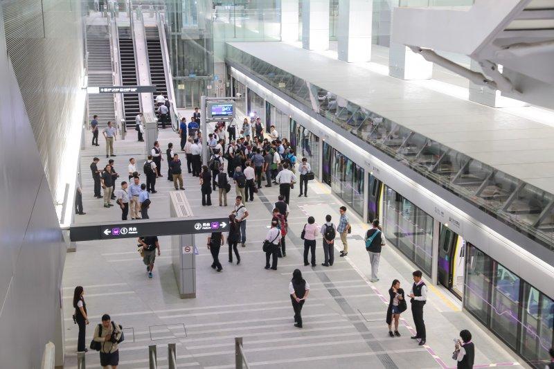 20160827-桃園機場捷運線A1台北車站候車大廳。(顏麟宇攝)