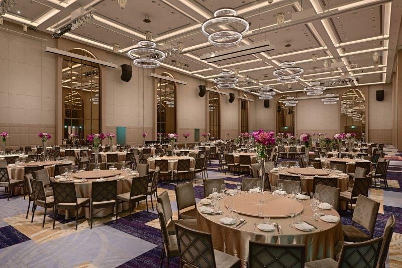 寬敞氣派的挑高空間、隱密的動線設計,讓萬豪成為政商名流的首選。(圖/擷取自台北萬豪酒店網站)