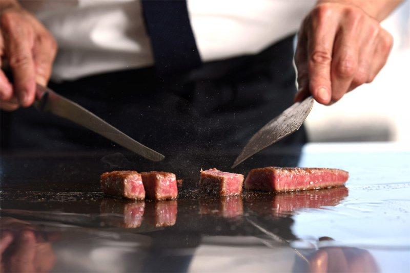 具有日本鐵板燒指標性的餐廳 Misono,餐廳裡對和牛品質的要求,就是他擁有超過一甲子歷史的祕密。