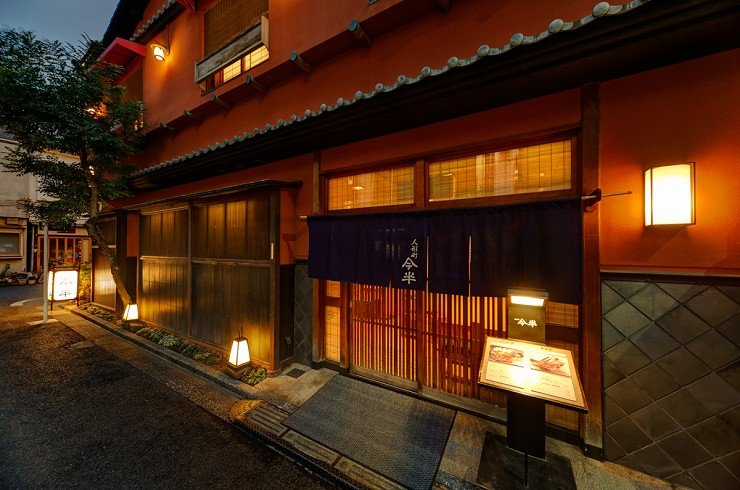 光是從人形町今半的餐廳外觀就能了解人形町今半堅守日本對飲食文化的傳統。