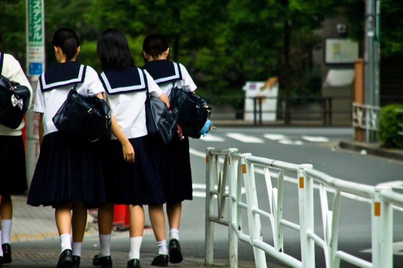 中學生下課(圖/pakutaso)