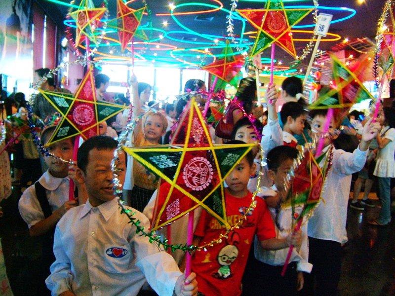 越南的中秋節實際上已成為越南獨有的「兒童節」(圖/ Thành_viên:Viethavvh@wiki)