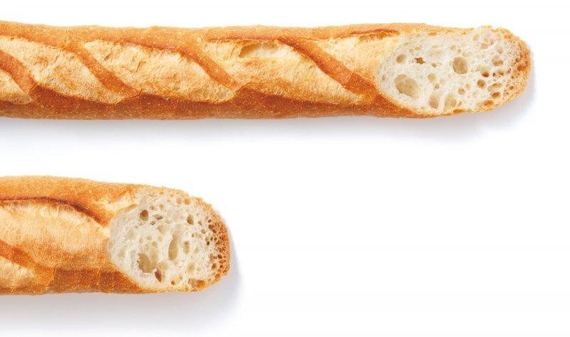 (圖上)法式長棍麵包與(圖下)法國麵包