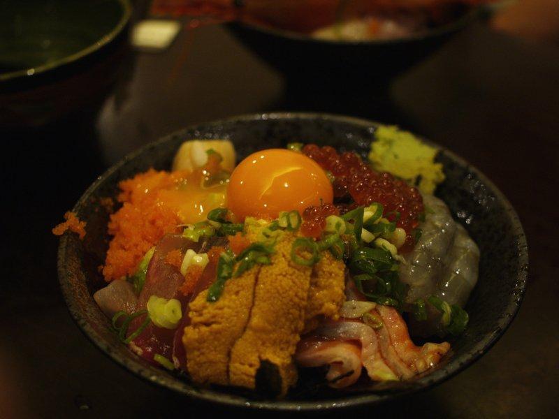 金泰最經典的就是上面那顆黃橙橙的生蛋黃。(圖/IAN Chen@flickr)