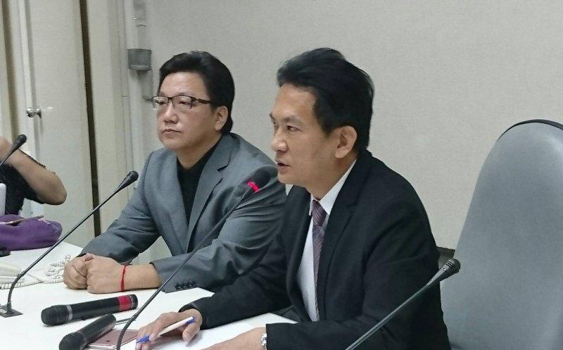 2016-09-08-不當黨產記者會-劉昭毅與民進黨立委林俊憲-林瑋豐攝