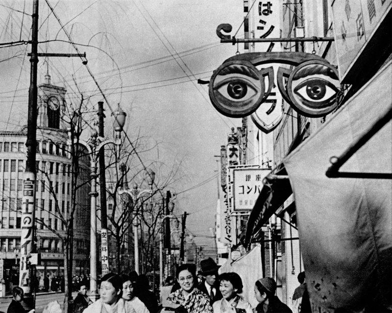 《日曜日式散步者》裡的日本街道場景(目宿媒體提供)