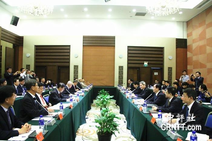 國台辦主任張志軍18日會見台灣8縣市首長組成的訪問團。(中評社)