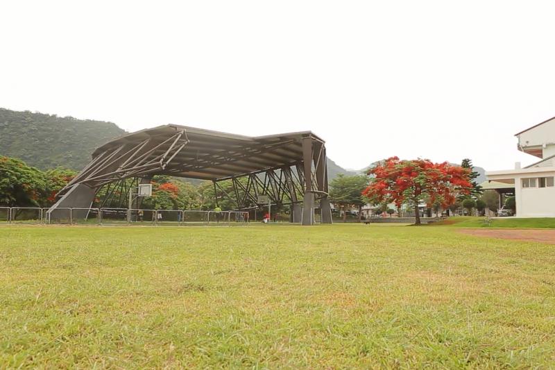 「台達永續之環」主體鋼架成為台東大溪國小的風雨操場。(圖/台達提供)