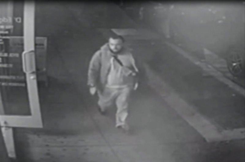 紐約曼哈頓雀兒喜區爆炸案主嫌雷哈密(Ahmad Khan Rahami)做案時被監視器拍下(AP)