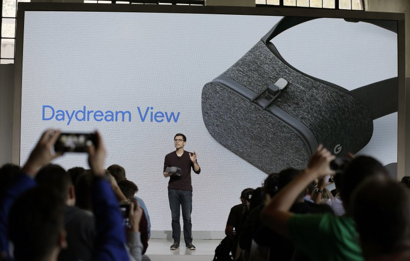 Google的虛擬實境(VR)裝置「Google Daydream View」。(美聯社)