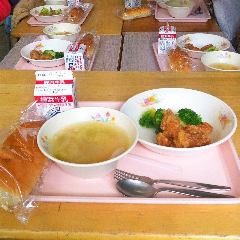 日本的營養午餐講究簡單、營養搭配。(圖/Vincent Van den Storme@Flickr)