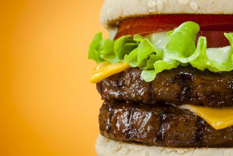 速食氾濫導致兒童過重和肥胖問題日益升高。(圖/Agustín_Nieto@flickr)