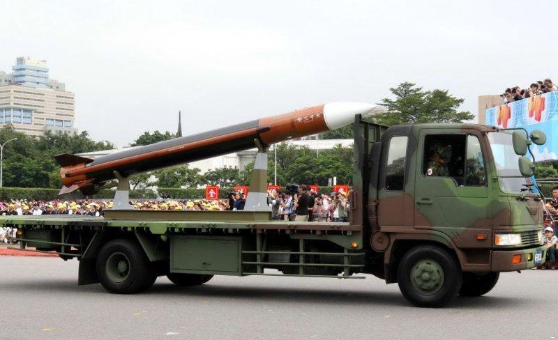 2007年天弓三型飛彈參與國防戰力展示。(取自中科院網站)