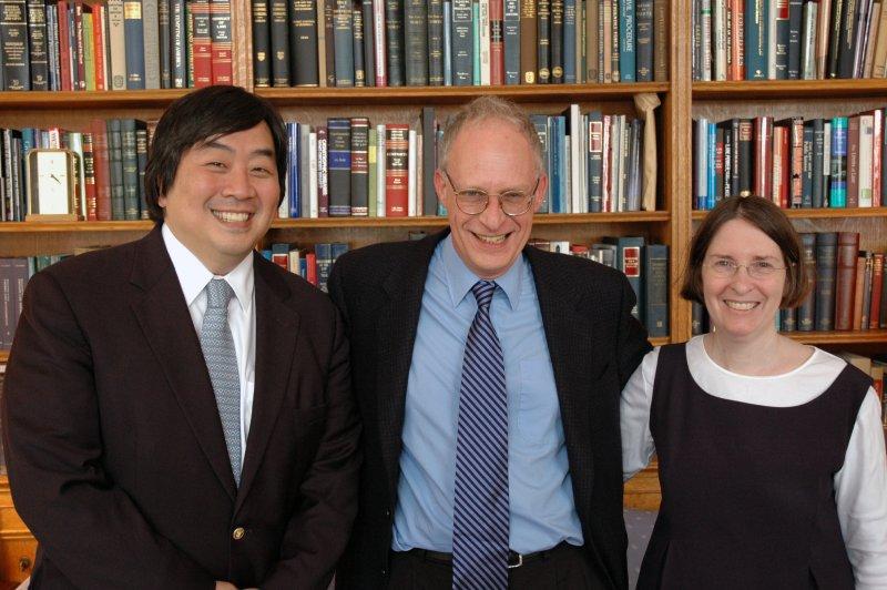 2016年諾貝爾經濟學獎:哈特(Oliver Hart,中)(耶魯大學)
