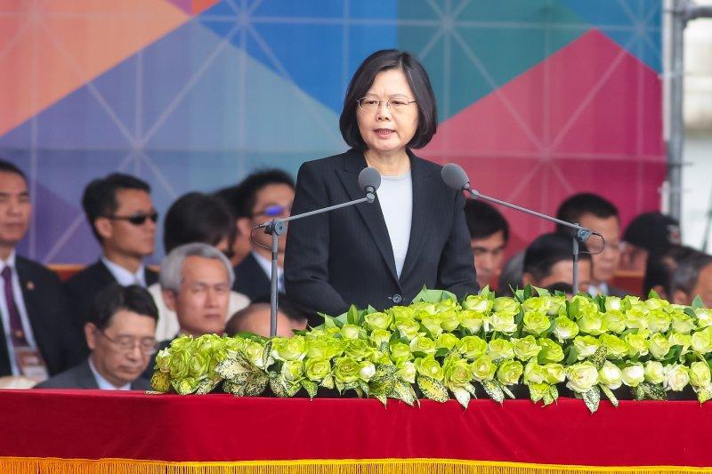 20161010-總統蔡英文10日出席中華民國105年國慶大會,並發表演說。(顏麟宇攝)