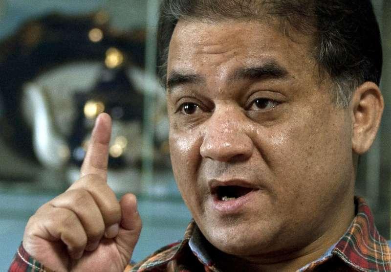 中國維吾爾族學者伊力哈木‧土赫提(Ilham Tohti)榮獲國際人權獎項「馬丁‧恩納爾斯人權捍衛者獎」。(美聯社)