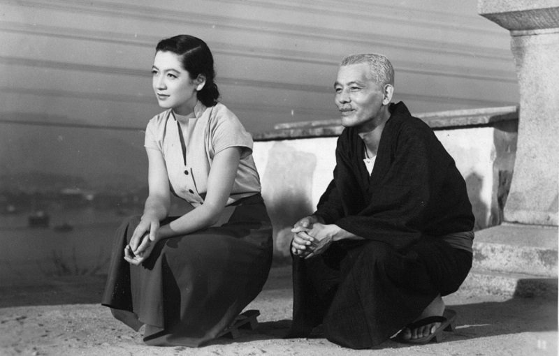 「日式微笑」——電影《東京物語》劇照。