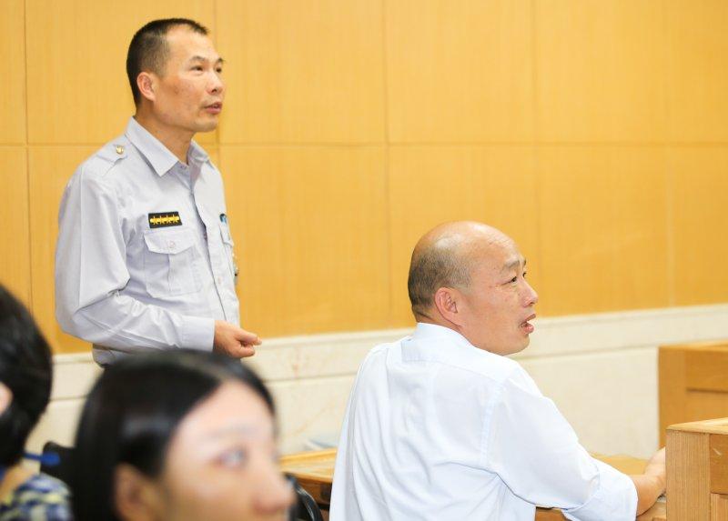 20161028-台北農產運銷公司總經理韓國瑜按鈴控告段宜康立委誹謗.(陳明仁攝)