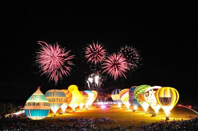 臺東鹿野高台舉辦的熱氣球嘉年華。(圖/品勳 陳@Flickr,hotelscombined提供)