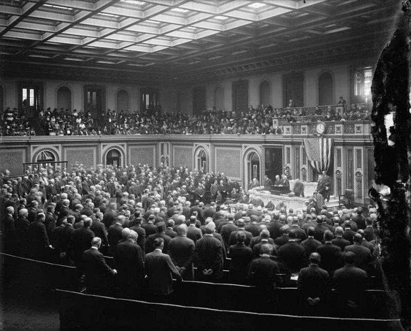 早期國會投票過程冗長,愛迪生發明的投票器卻遭到拒絕。(圖/維基百科公有領域)