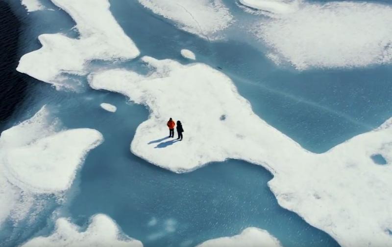 走訪北極圈,李奧納多親眼看見遭人類破壞的冰原。(圖/國家地理頻道《洪水來臨前》提供)