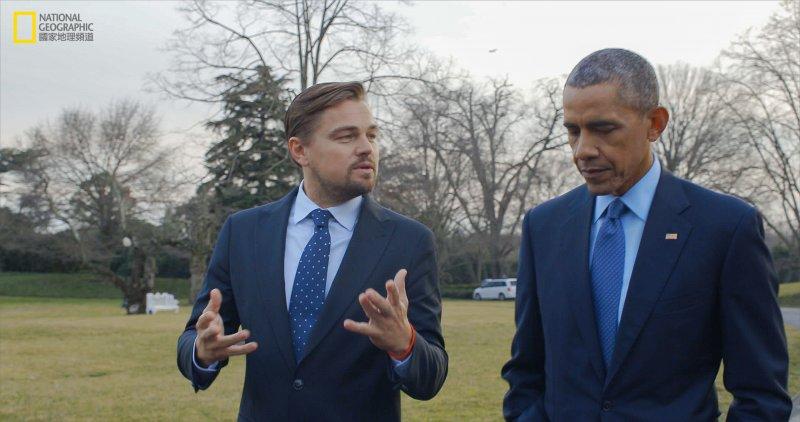李奧納多與美國總統歐巴馬。(圖/國家地理頻道《洪水來臨前》提供)