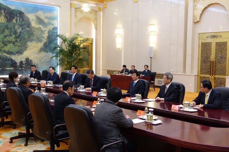 洪習會,國民黨主席洪秀柱、中國共產黨中央委員會總書記習近平首度會面,雙方座位。(羅暐智攝)