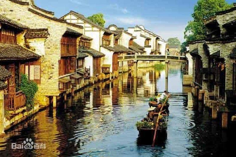 江南風味的雲棲小鎮搖身成為中國雲基地。(百度百科)