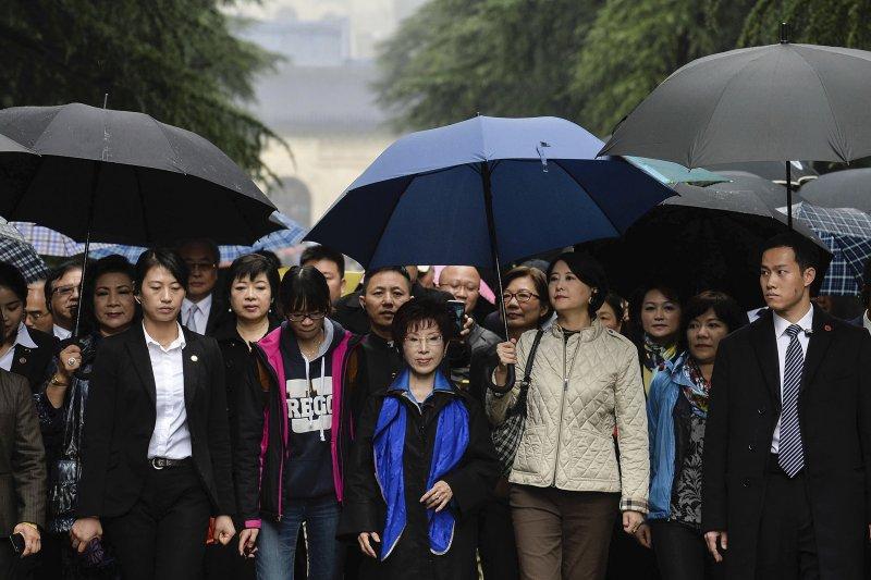 中國國民黨主席洪秀柱10月31日拜謁中山陵(AP)