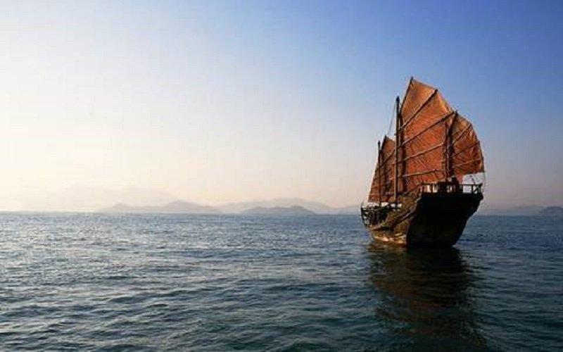 中國古代一艘風帆就出洋。