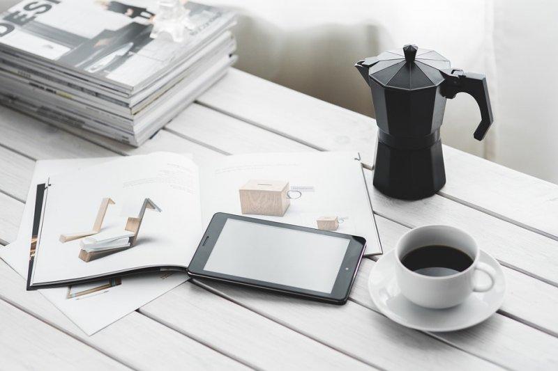 每天狂罐咖啡提神的人,如果幾天不喝咖啡,還能活嗎?(圖/Pixabay)