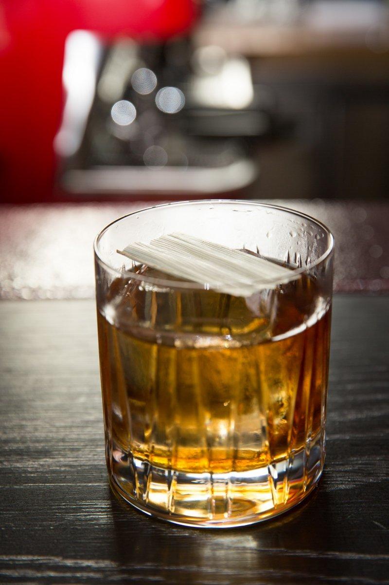 GOLD TRECLE跳出既有傳統框架,除了基酒RUM,還加了RYE增添風味。(圖/台北萬豪酒店提供)