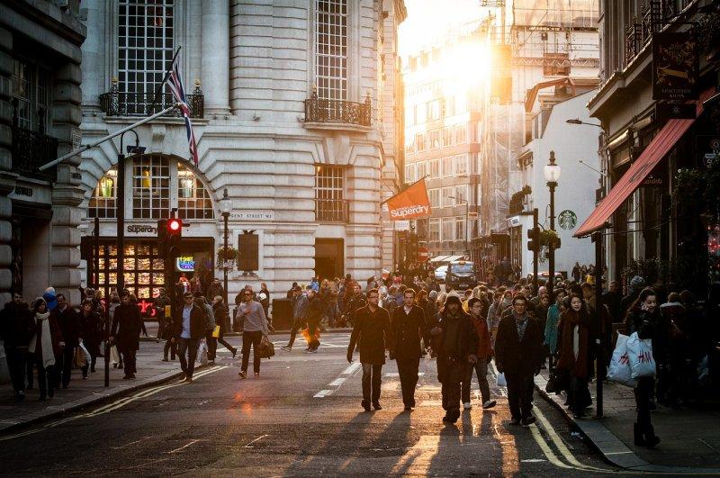 施羅德預計,明年歐元區經濟成長率可達1.6%、英國2.3%,瑞典等北歐國家甚至可達3.6%。(圖/Unsplash@pixabay)