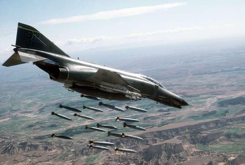 F-4幽靈II(F-4 Phantom II)(取自維基百科)