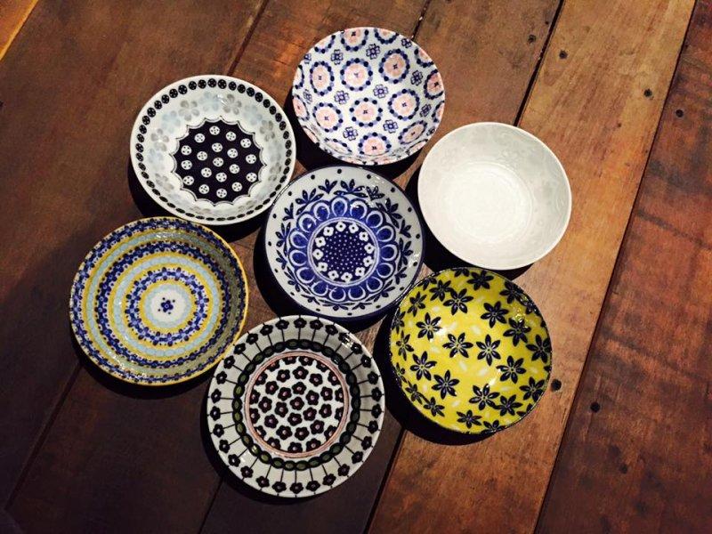 特殊花紋碗盤。(圖/餐桌上的鹿早。。。生活食器@flickr,KKDAY提供)