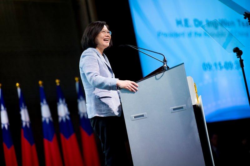 總統蔡英文在開幕致詞時指出,她期盼透過此一平台廣泛對話、交換意見,逐步深化台灣與東協國家的雙向交流及多邊關係。(總統府提供)