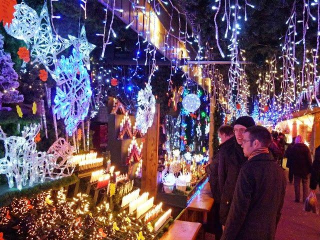 台北信義商圈聖誕市集(圖/dierk schaefer@flickr,KKDAY提供)
