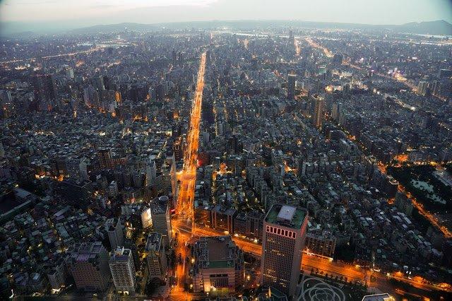 台北101聖誕夜限定夜景(圖/Perry Li@flickr,KKDAY提供)