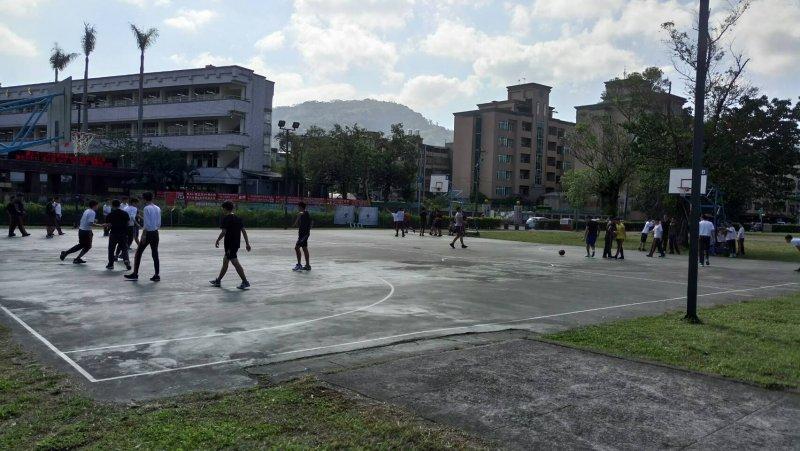 附近學校和里民使用恆光國小預定地籃球場設施的情形(圖片來源/臺北市政府工務局公園處)
