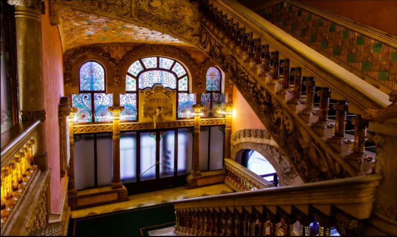 西班牙加泰羅尼亞音樂宮。(圖/Ian Bateman@youtube)