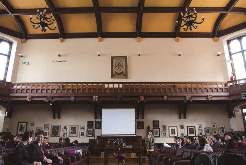 劍橋大學演辯社是誕生國際政經菁英的搖籃之一。演辯社對外的活動也多與政治、經濟、國際關係之類的話題有關。(照片提供/Jim Tang)