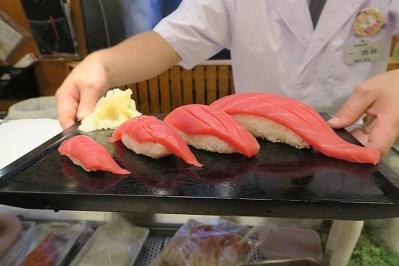 可以指定尺寸的平價壽司。(圖/熊田熊男@しらべぇ ,FAST JAPAN提供)