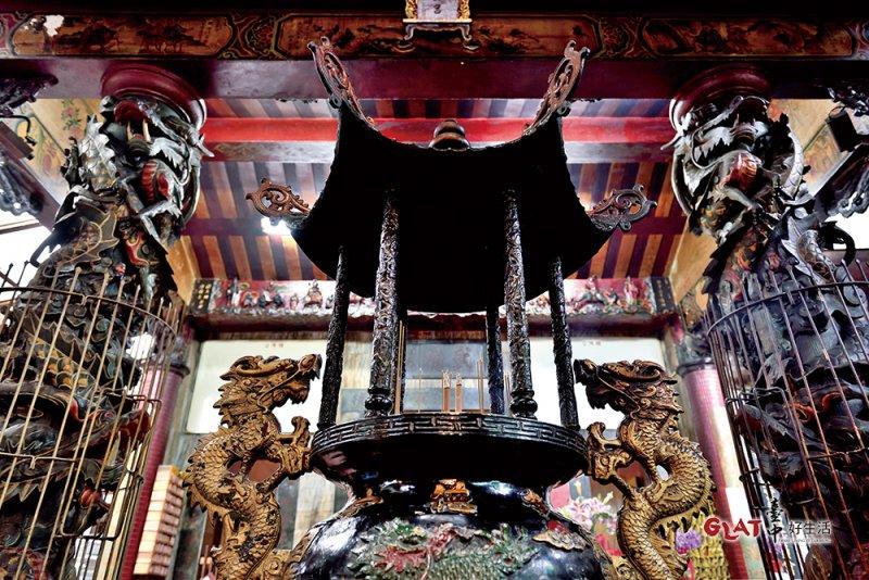 市場內武德宮,主要是供奉關聖帝君和媽祖,為第二市場攤販的信仰中心。(圖/ 台中好生活提供)