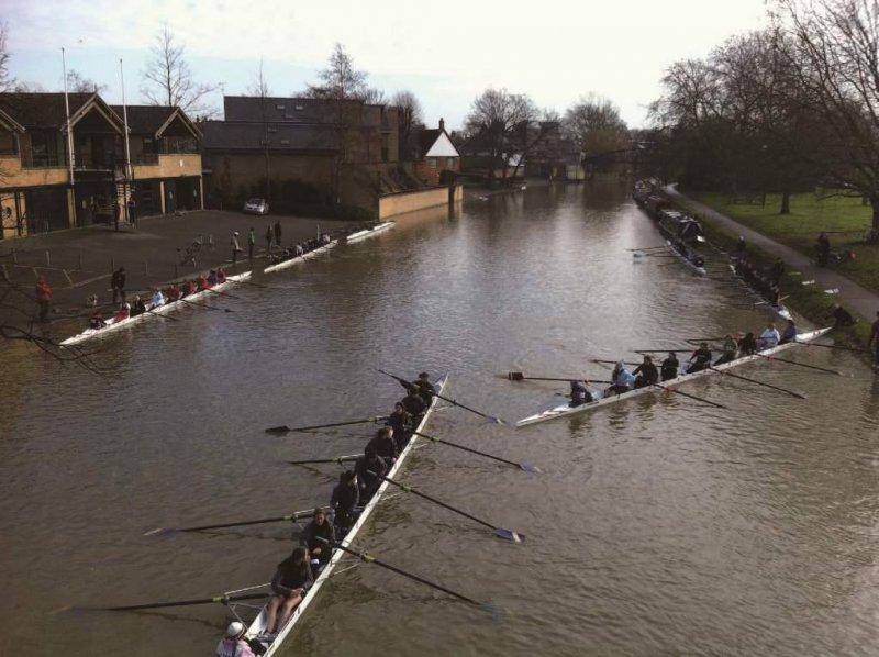劍橋大學每個學院都有自己的划艇俱樂部,每年更有全校萬中選一的9位英雄,可以在倫敦泰唔士河(River Thames)上與「那一邊」的九位牛津大學代表一決高下。(照片提供/Justin Chu)