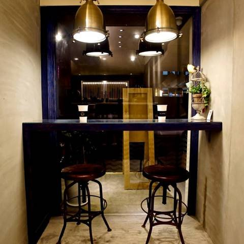 簡約時尚的裝潢,還以為來到了咖啡店。(圖/SOMA 特調飲品@facebook,Klook提供)