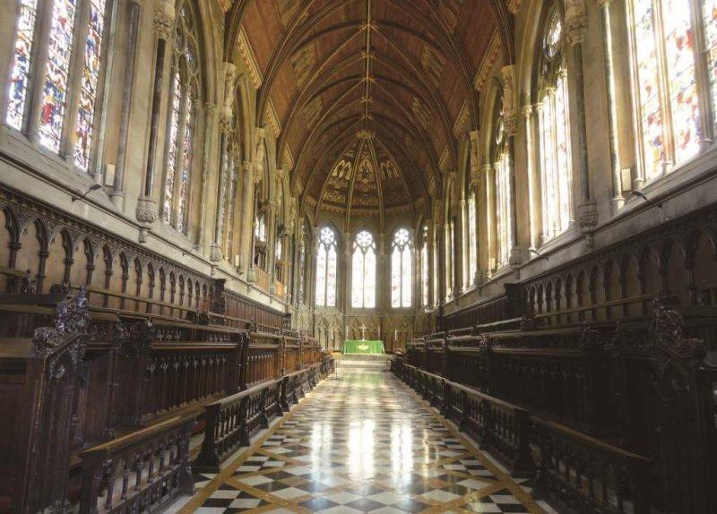聖約翰學院禮拜堂內,也是我思念祖母的地方。因為這裡,總能聽得到祖母臨終前不斷聆聽的詩歌─我彈給她聽的《與主接近》(Nearer My God to Thee)。(照片提供/Harry Hsu)
