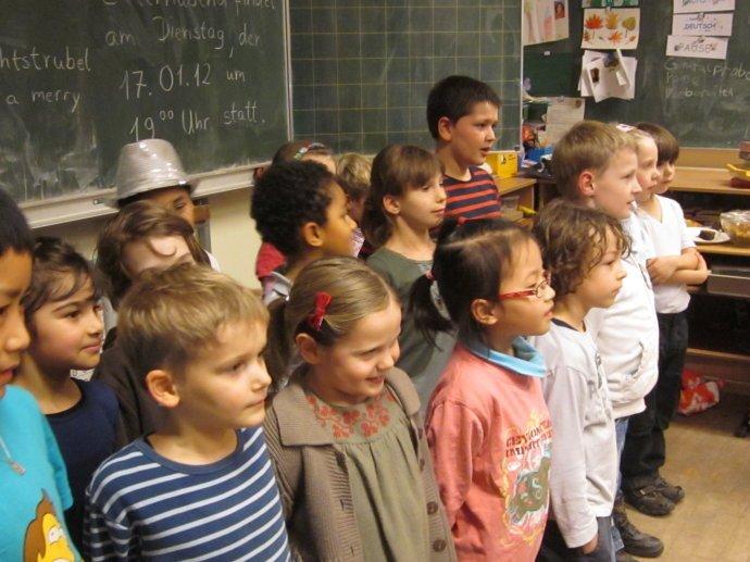 在德國,不良行為在公共場合裡會受到指證是學校、家長,甚至是社會一致的價值觀。(取自全球投資移民律師協會)