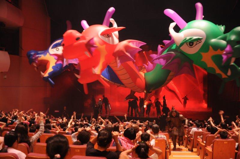 紙風車劇團 臺中歌劇院內外同步演出《唐吉軻德冒險故事-銀河天馬》2 (由台中市政府提供)